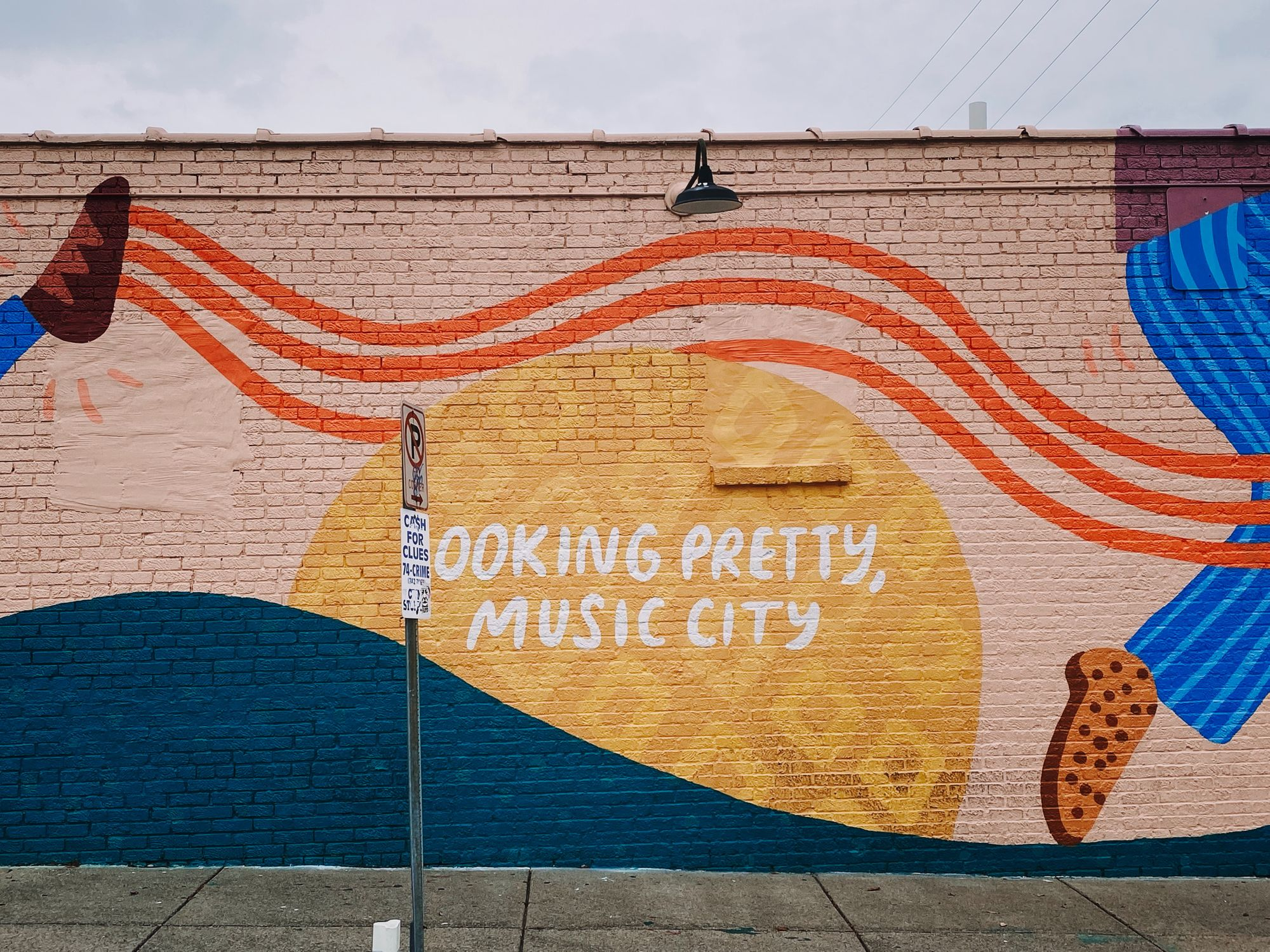 Looking Pretty Music City sign